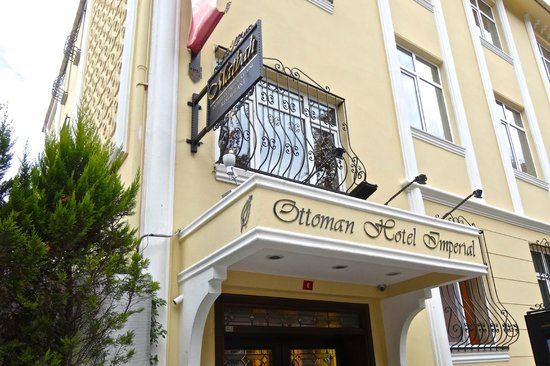 Ottoman Hotel Imperial: Entrance