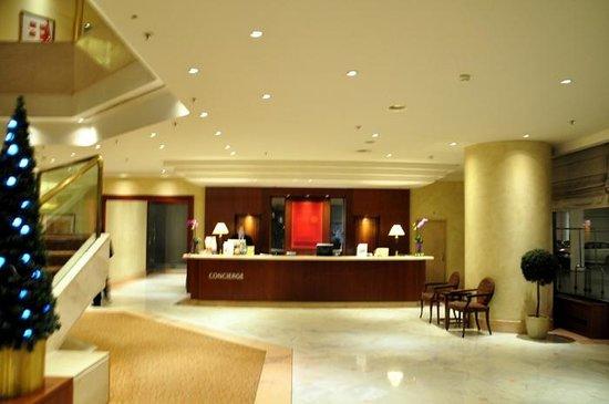 Corinthia Hotel Prague: Concierge