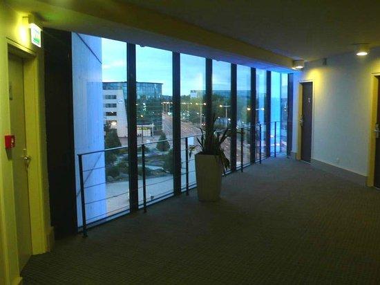 Novotel Le Havre Centre Gare : Novotel Le Havre Bassin Vauban: Francia: vetrate panoramiche