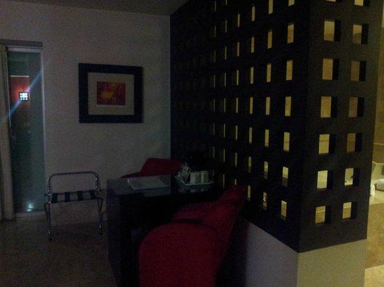 We Hotel Aeropuerto : Habitacion