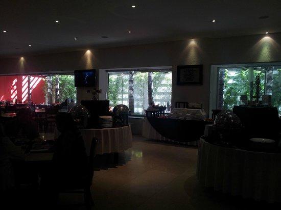 We Hotel Aeropuerto: Buffet