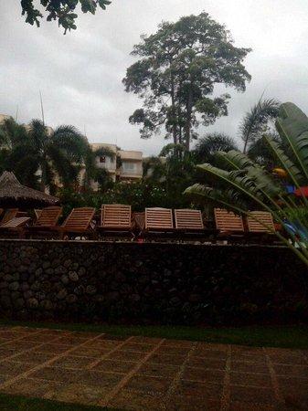Hawaii Resort Family Suites: Area berjemur