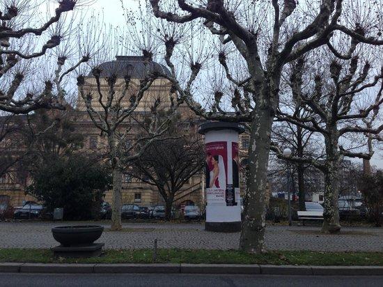 Radisson Blu Schwarzer Bock Hotel : Рядом с отелем