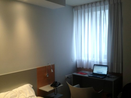 Orpheo Express Hotel: la vista desde las habitaciones No es la mejor