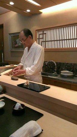 Sushi Mizutani: 名職人、水谷八郎氏