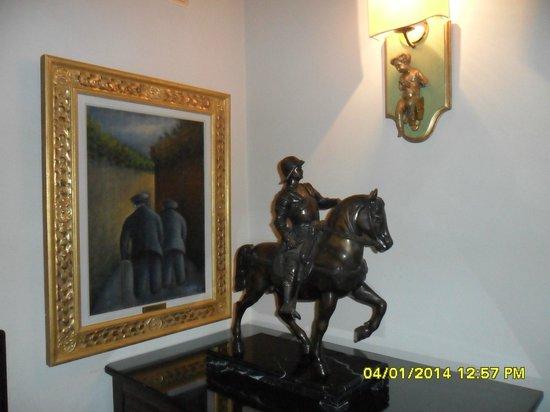 Villa Olmi Firenze: Angoli particolari della Hall