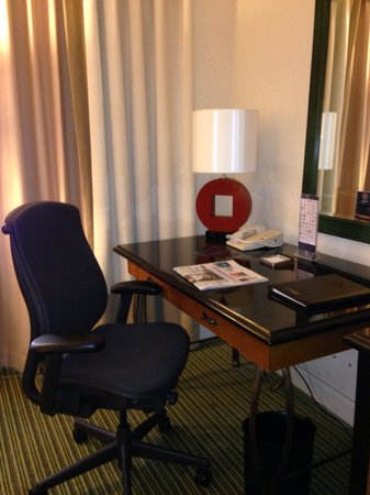 Hilton Orlando Lake Buena Vista - Disney Springs™ Area: Desk area