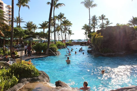 Marriott's Maui Ocean Club  - Lahaina & Napili Towers : Main pool overlooking the ocean