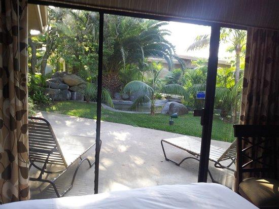 Bahia Resort Hotel: Blick in den Gartenbereich