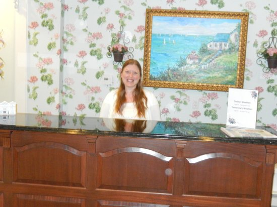 Main Street Inn and Suites: front desk