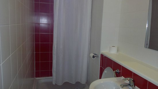 Travelodge Edinburgh Haymarket Hotel : bathroom