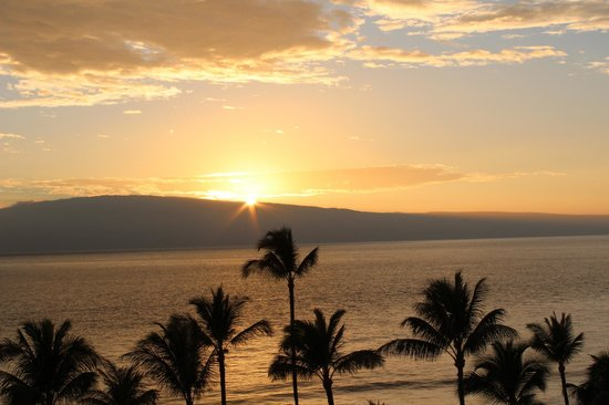 Marriott's Maui Ocean Club  - Lahaina & Napili Towers : Sunset from our lanai