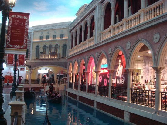 The Venetian Macao Resort Hotel: 2 этаж, Венеция