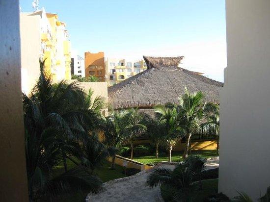 Fiesta Americana Condesa Cancun All Inclusive: pool area