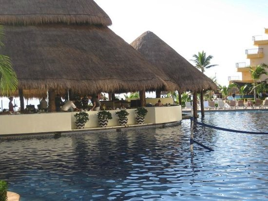 Fiesta Americana Condesa Cancun All Inclusive: pool