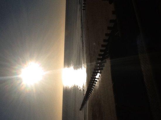 Ashford Guest House: Sea view minutes walk away