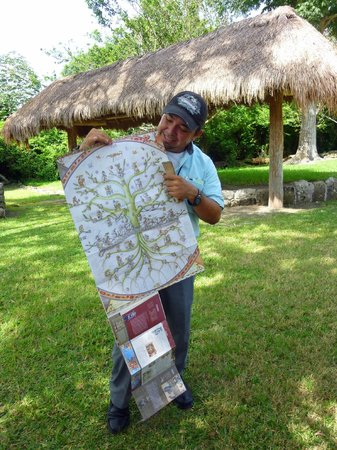 San Gervasio Mayan Archaeological Site: Our enthousiatic guide