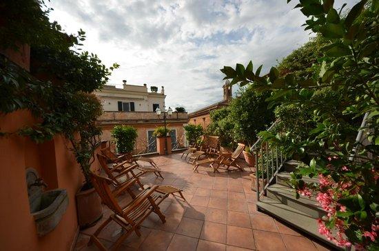 Hotel Mozart: Terrasse sur le toit de l'hôtel