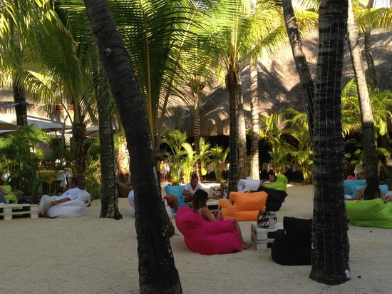 Canonnier Beachcomber Golf Resort & Spa: Chill out area