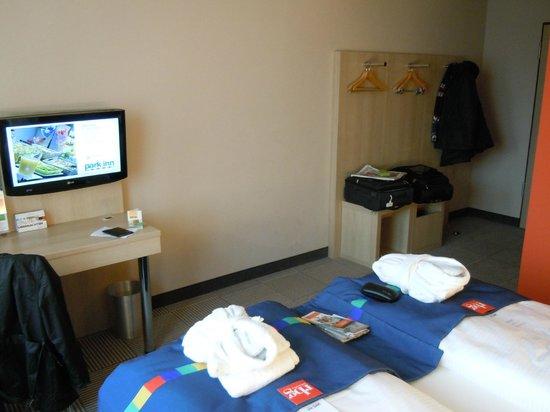 Park Inn by Radisson Stuttgart: Room