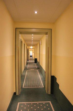 Hotel Stadt München: Corredor