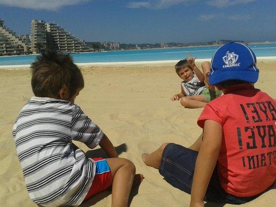 San Alfonso del Mar: Playa y pileta