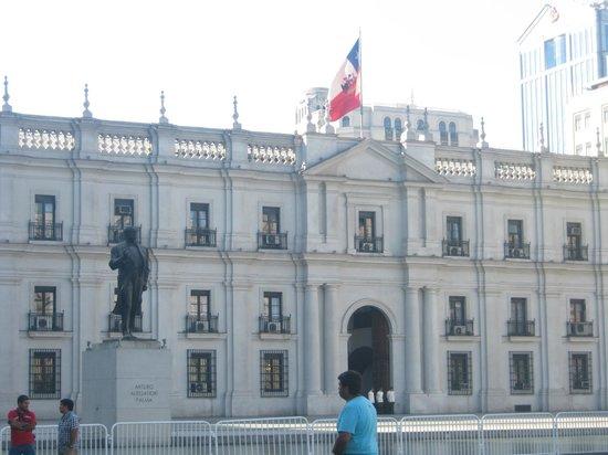 Centro Cultural Palacio de la Moneda y Plaza de la Ciudadania: Palacio de la Moneda