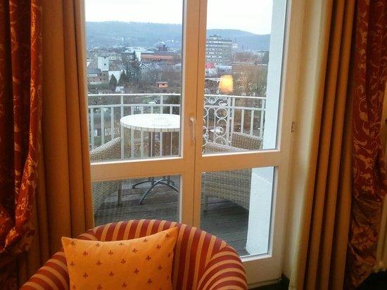 Hotel Villa Huegel: Aussicht auf den Balkon