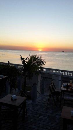 La Bodeguita: Puesta del sol desde la terraza