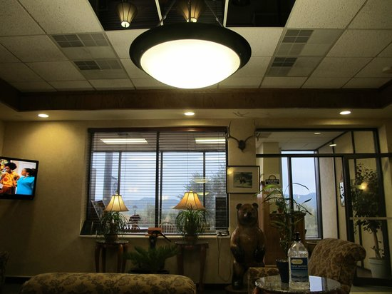 Days Inn & Suites Trinidad: the lobby