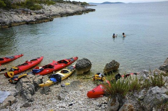 Red Adventures Croatia: Pose baignade dans les eaux bleus