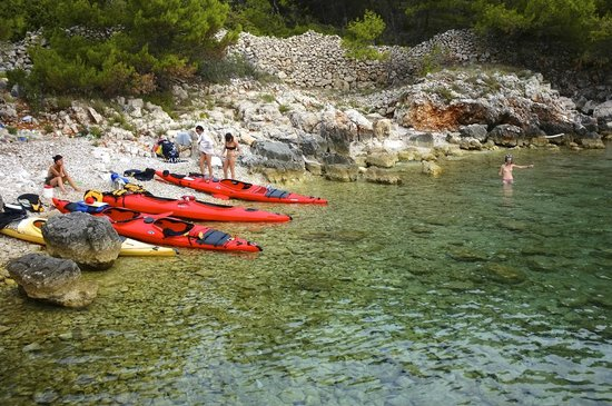 Red Adventures Croatia: Une petite crique