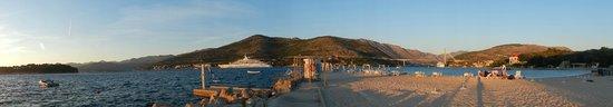 Valamar Argosy Hotel : Praia do mar Adriático