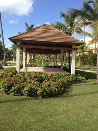 Secrets Royal Beach Punta Cana: beautiful grounds