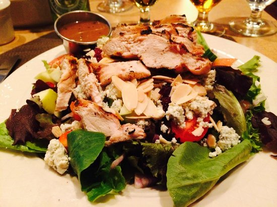 Hilton Garden Inn Ridgefield Park: Salada muito boa, janta no hotel a noite.