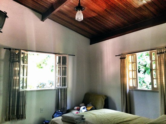 Pousada Guapuruvu : chambre