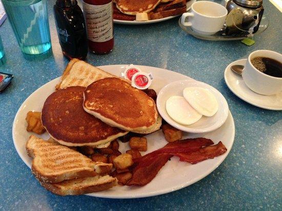 Fran's Restaurant & Bar: The big breakfast!