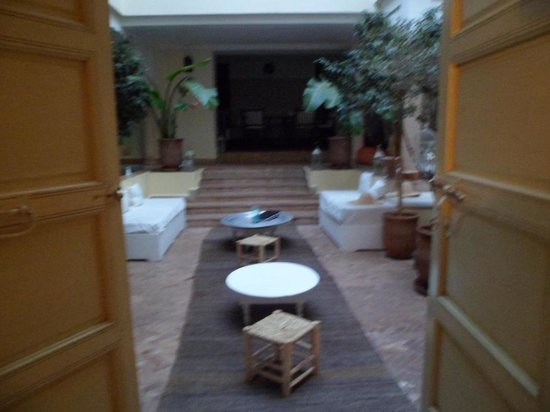 Dar Crystal : view of the courtyard from one of the rooms