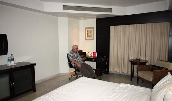 Royal Orchid Central Kireeti: Room at Royal Orchid Kreeti Hospet