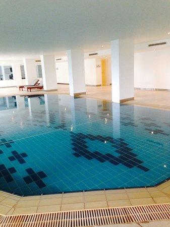 Alion Beach Hotel : Heated pool