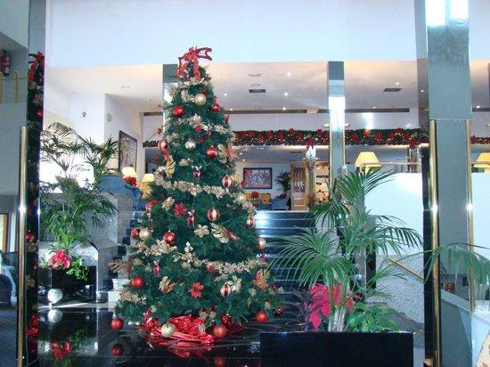 Hotel Riu Palace Oasis : décoration Noël dans le hall