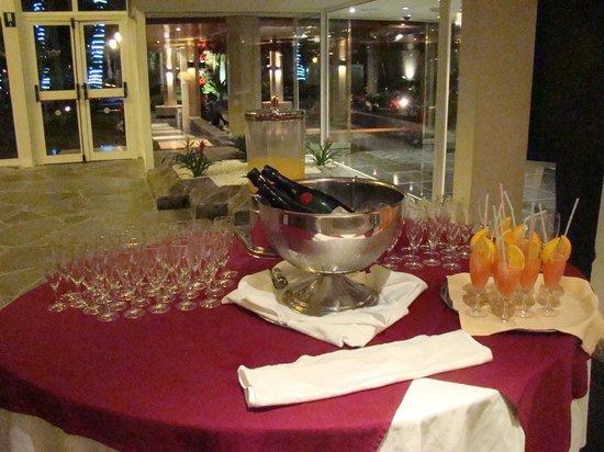 Hotel Riu Palace Oasis : cava à volonté en libre service