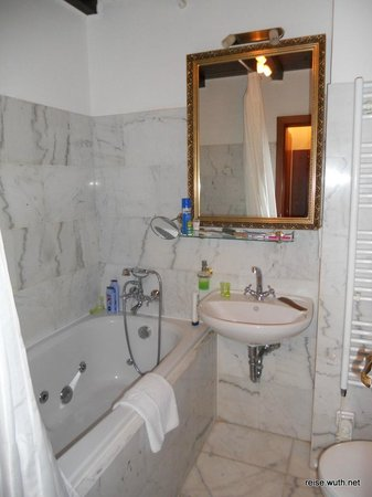 King Charles Boutique Hotel Residence: Bad