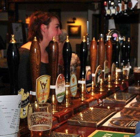Brook House Inn and Restaurant: Friendly well stock Bar