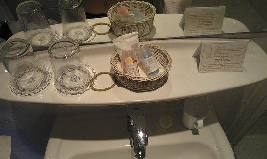Hotel du Champ de Mars: lovely bathroom