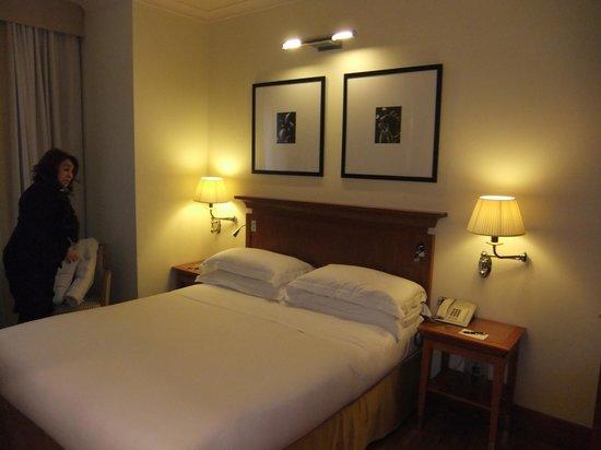 Starhotels Metropole : letto molto comodo scelta di cuscini