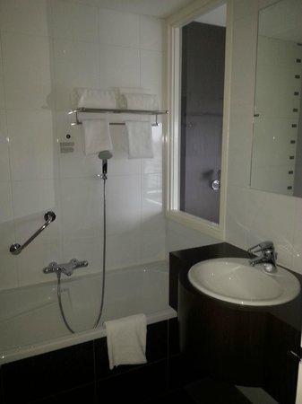 Inntel Hotels Rotterdam Centre: salle de bain