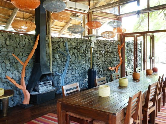 Rhino Post Safari Lodge: Dining Room