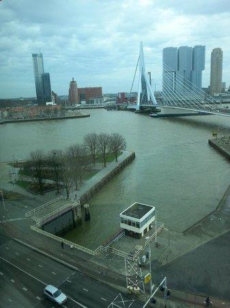 Inntel Hotels Rotterdam Centre: vue de la chambre