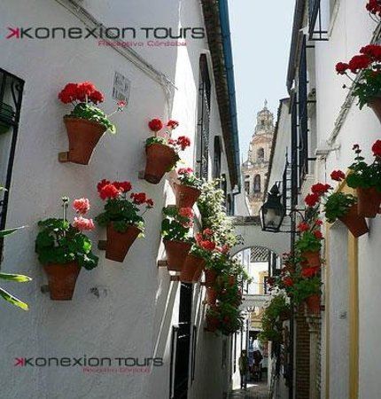 Konexion Tours - Cordoba: Córdoba Única - Calle de las Flores